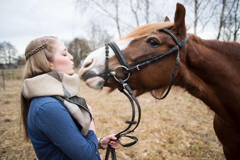 Fotos mit Pferd – Janina und Motte